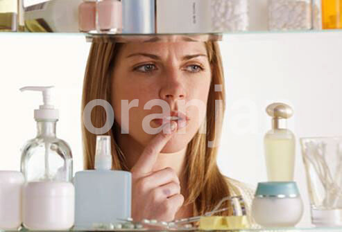 ر -آیا میتوانم همزمان از چند محصول مراقبت از پوست استفاده کنم؟ - ترنجان