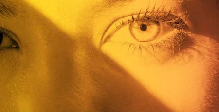 ۳ راه برای نجات پوست پس از قرار گرفتن در معرض نور خورشید - ترنجان