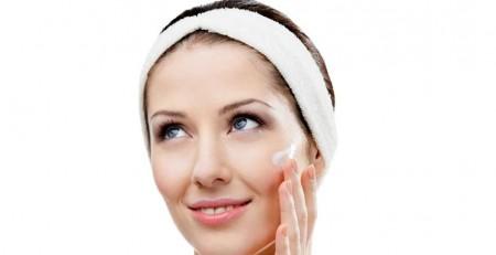 با نکاتی برای مراقبت از پوست در 25 سالگی بیشتر آشنا شوید - ترنجان