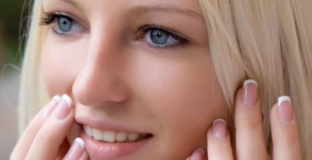 آشنایی با 10 نکته برای داشتن چهرهای خیرهکننده بدون آرایش - ترنجان