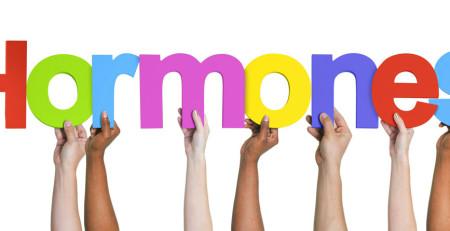 هورمونها چگونه میتوانند با افزایش سن بر سلامت و پوست تأثیرگذار باشد؟ - بخش اول - ترنجان
