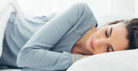 ده راه کارشناسانه برای بازسازی پوست هنگام خواب - ترنجان