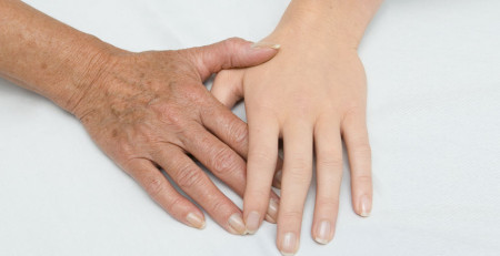 6 نکته برای پیشگیری از پیر شدن پوست دستها