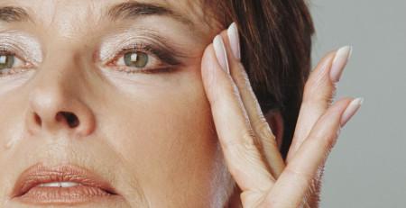 آشنایی با 7 علت عجیب پیری پوست و چگونگی مقابله با آن - ترنجان