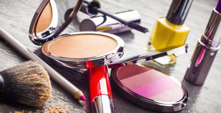 اسلایدشو: همهچیز درباره خطرات محصولات زیبایی - بخش دوم - ترنجان