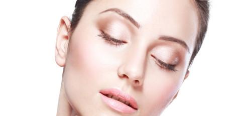 ۵ عادت بد که پوست شما را خراب میکنند و موجب چینوچروک و افتادگی پوست میشوند - ترنجان